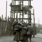 Een foto van krijgsgevangen in het concentratiekamp Sanbostel, waar Anton uiteindelijk zou komen te overlijden, ca. 1945. Uit: Archief concentratiekamp Sanbostel